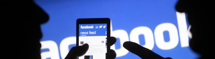 Usuários do facebook no celular